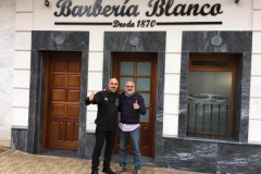 05-01-2017 Inaguración Barbería Blanco -Pepe Alba00002 1:29:2017